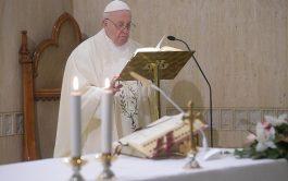 """17/01/2020 –El Papa Francisco advirtió del peligro de """"perder la conciencia del pecado"""" que lleva al cristiano a no encontrar…"""