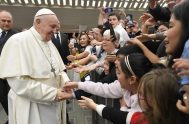 """19/02/2020 – El Papa Francisco continuó hoy sus catequesis sobre las Bienaventuranzas reflexionando sobre la tercera: """"Bienaventurados los mansos, porque heredarán la tierra"""".…"""