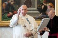 """25/03/2020 –El Papa Francisco subrayó este miércoles, durante la Audiencia General celebrada en la Biblioteca del Palacio Apostólico, que """"la defensa de la…"""