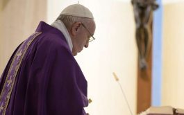 24/03/2020 –En la misa de hoy en Santa Marta, el Papa rezó por el personal sanitario y los sacerdotes…
