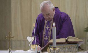 27/03/2020 –El Papa Francisco reconoció que a pesar de la dramática situación provocada por el coronavirus, hay mucha gente que se está preocupando por los demás, por lo que invitó a agradecer…