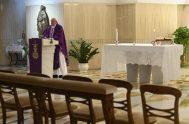 26/03/2020 –En la misa que se transmitió en vivo desde la Capilla de la Casa Santa Marta Francisco rezó hoy para que el…