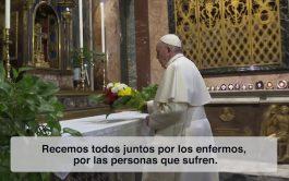 """25/03/2020 – En una edición especial de """"El Video del Papa"""" el Santo Padre pide rezar por los enfermos y…"""