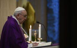 01/04/2020 –El Papa Francisco pidió rezar por las personas que trabajan en los medios de comunicación que permiten que la…