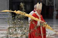 """06/04/2020 –El Papa Francisco asegura que Dios nos salvó """"sirviéndonos"""" y nos sirvió """"dando su vida por nosotros"""" porque """"Él nos ama, puesto…"""