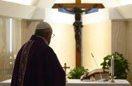 03/04/2020 –Este 3 de abril, en la Misa en Santa Marta, el Papa Francisco dirigió su pensamiento a la pobreza, el desempleo y…