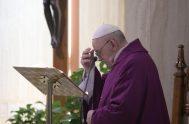 06/04/2020 –En la Misa matutina celebrada – y transmitida en vivo – en la Capilla de la Casa Santa Marta, este Lunes Santo,…