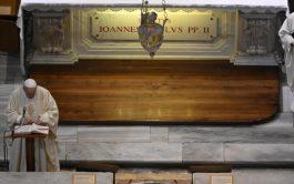 18/05/2020 –En el centenario del nacimiento de San Juan Pablo II (18 de mayo de 1920), el Papa Francisco presidió…