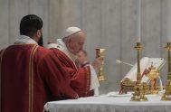 31/05/2020 –El Papa Francisco presidió, desde el altar de la Cátedra de la Basílica de San Pedro del Vaticano, la Misa por la…