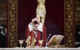 """29/06/2020 –La unidad de la Iglesia se sustenta en la oración: """"De la oración vino una unidad más fuerte que…"""