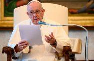 """29/07/2020 –El agradecimiento es """"una característica distintiva del cristiano"""", aseguró el Papa Francisco. En un mensaje publicado en su perfil oficial en lengua…"""