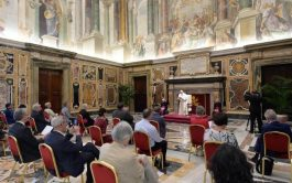 """18/09/2020 –Lo pidió el Papa Francisco esta mañana al recibir en audiencia a la delegación del semanario belga """"Tertio"""", que…"""