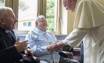 """17/09/2020 –Mensaje del Papa Francisco a los participantes de la """"Jornada de sacerdotes ancianos y enfermos de Lombardía"""", reunidos en el Santuario de Nuestra Señora de Caravaggio. En una carta, el Papa…"""