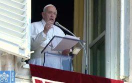 """28/09/2020 –El Papa Francisco advirtió sobre el peligro de """"la religiosidad de fachada"""" y recordó que la conversión, el cambiar…"""