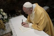 """08/09/2020 –El Papa Francisco visitará Asís el próximo 3 de octubre para firmar la nueva Carta Encíclica """"Fratelli tutti"""" (""""Hermanos todos"""") sobre la…"""