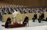 """06/10/2020 –El Papa Francisco destacó que """"la gestión de los negocios requiere siempre de todos una conducta leal y límpida que no ceda…"""