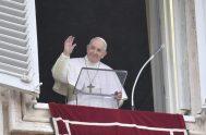 """12/10/2020 –El Papa Francisco destacó que la Iglesia """"está llamada a llegar a las encrucijadas de hoy"""" y que se trata """"de no…"""