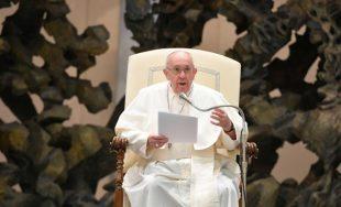 """14/10/2020 –Continuando con su ciclo de catequesis sobre """"La Oración"""", el Papa Francisco reflexionó este miércoles, 14 de octubre, sobre el Libro de los Salmos, un texto bíblico que está compuesto sólo…"""