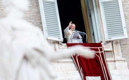 """19/10/2020 –El Papa Francisco recordó que pagar impuestos y """"cumplir las leyes justas del Estado"""", es un deber ciudadano. Al…"""