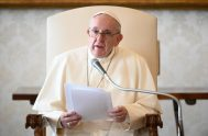 """25/11/2020 –El Papa Francisco explicó que las cuatro """"características esenciales"""" de la vida eclesial son: """"la escucha de la enseñanza de los apóstoles,…"""