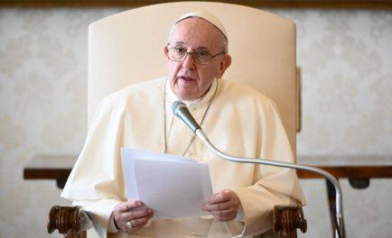"""25/11/2020 –El Papa Francisco explicó que las cuatro """"características esenciales"""" de la vida eclesial son: """"la escucha de la enseñanza de los apóstoles, la custodia de la comunión recíproca -la caridad-, la…"""
