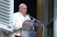 15/11/2020 –Tras celebrar la Santa Misa con motivo de la Jornada Mundial de los Pobres, este domingo 15 de noviembre, el Papa Francisco…