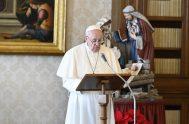"""28/12/2020 –El Papa Francisco destacó que la Sagrada Familia de Jesús, María y José es """"la familia-modelo, en la que todas las familias…"""