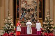 """25/12/2020 –El Papa Francisco impartió la tradicional Bendición """"Urbi et Orbi"""" (a la ciudad de Roma y al mundo) con motivo de la…"""