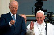 """21/01/2021 –El Papa Francisco saludó a Joe Biden luego que este asumiera como nuevo presidente de Estados Unidos, el segundo presidente """"católico en…"""
