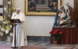 """06/01/2021 –El Papa Francisco invitó en el Ángelus de la Solemnidad de la Epifanía del Señor a ser """"testigos de…"""