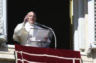 15/02/2021 –El 14 de febrero, VI domingo del tiempo ordinario, el Papa Francisco rezó la oración mariana del Ángelus finalmente asomado desde la…