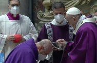 """17/02/2021 –Durante la celebración de la Misa en este Miércoles de Ceniza, el Papa Francisco recordó que """"la Cuaresma es un viaje de…"""