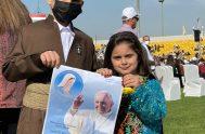 """07/03/2021 – Al final de su tercera jornada en Iraq, el Papa Francisco celebró la Santa Misa en el Estadio """"Franso Hariri"""" de…"""