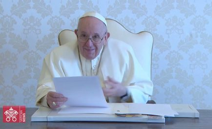 """16/04/2021 –El Papa Francisco ha enviado un video mensaje a los participantes de la conferencia internacional titulada """"A Politics Rooted in the People"""" (Una política arraigada en el pueblo). Se trata esta…"""