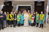02/04/2021 –En la mañana de este 2 de abril, Viernes Santo, el Papa Francisco visitó el centro de vacunación instalado en el atrio…