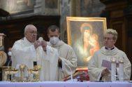 """12/04/2021 –El Papa Francisco invitó a acudir con frecuencia al Sacramento de la Confesión, pues al acudir a la confesión """"no nos confesamos…"""