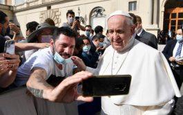 16/06/2021 –El Papa Francisco concluyó su serie de catequesis sobre la oración en la Audiencia General de este miércoles 16…