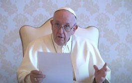 """18/06/2021 –El Papa Francisco afirmó que, una vez se supere la pandemia de coronavirus, """"ha llegado el momento de eliminar…"""