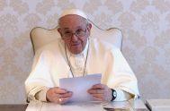 """24/06/2021 –El Papa Francisco envió un videomensaje a los servidores de """"Noche de caridad y del Hogar de Nazaret"""" de la diócesis de…"""