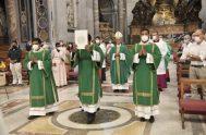 26/07/2021 -Más de 2.000 personas participaron, en la Basílica de San Pedro del Vaticano, de la misa celebrada con ocasión de la primera…