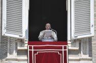 """23/08/2021 –Durante el rezo del Ángelus, el Papa Francisco animó a pedir la gracia de """"dejarnos provocar y convertir por las 'palabras de…"""