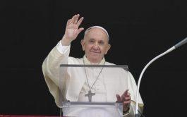 """27/09/2021 –El Papa Francisco advirtió que el diablo """"siempre insinúa sospechas para dividir y excluir"""" y explicó que la cerrazón…"""