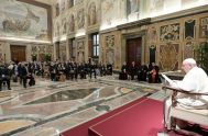 """28/09/2021 –Con más contundencia que nunca, el Papa Francisco rechazó y condenó el aborto y las Leyes que lo legalizan: """"¡Es un homicidio!"""",…"""