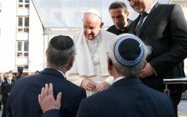 13/09/2021 –El Papa Francisco se reunió con la comunidad judía en Eslovaquia este 13 de septiembre, en el segundo día…