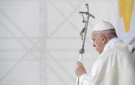 15/09/2021 –Con una Misa multitudinaria, con más de 50 mil asistentes, celebrada junto al Santuario Nacional de Šaštín, el Papa…