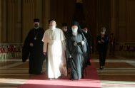 """04/10/2021 –El Papa Francisco abogó por un """"respeto recíproco entre fe y ciencia"""" enraizado en la cultura del cuidado que implicaría, también, un…"""