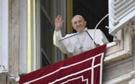 """18/10/2021 –Durante el rezo del Ángelus dominical, el Papa Francisco recordó la enseñanza de Jesús que consiste en que """"la…"""