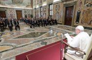 """15/10/2021 –El Papa Francisco volvió a rechazar el aborto, que volvió a definir como """"un homicidio"""" del que """"no es lícito hacerse cómplice"""",…"""