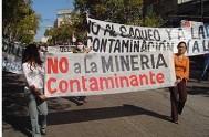 26/11/2013 - Se manifestaron 1500 personas contra la implementación de la minería de uranio en el territorio provincial recordando que, en La Rioja…