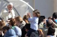 06/10/2014 – En la primera congregación general de la Tercerca Asamblea General Extraordinaria del Sínodo de los Obispos, el Papa Francisco invitó a…